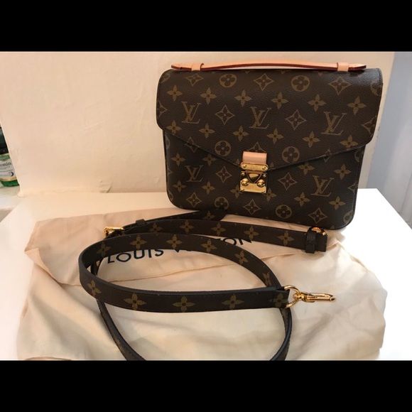 16d3caafaf99 Louis Vuitton Handbags - Louis Vuitton Pochette Metis Monogram Crossbody